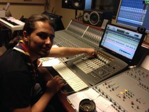 Jérem prend les commandes du studio