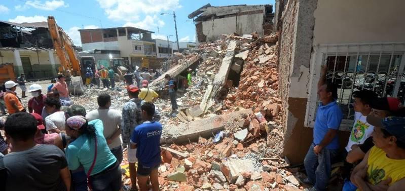 equateur-seisme-2016-01